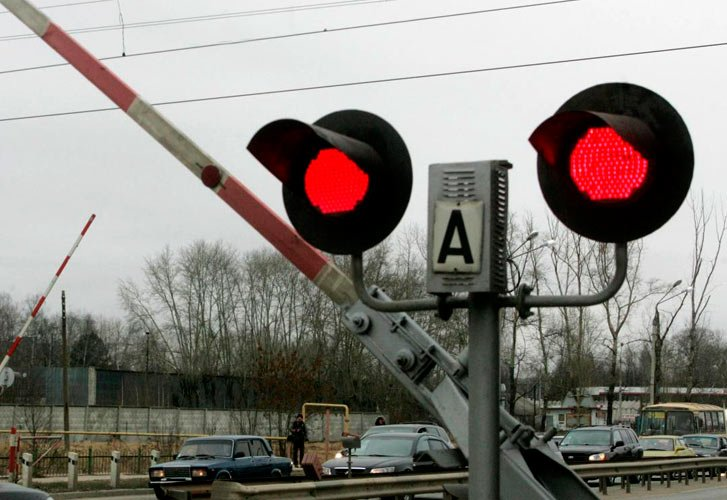 Светофор на железнодорожном переезде